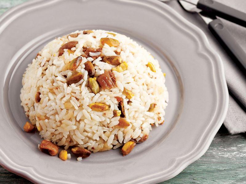Antep fıstıklı ve incirli pirinç pilavı tarifi için malzemeler
