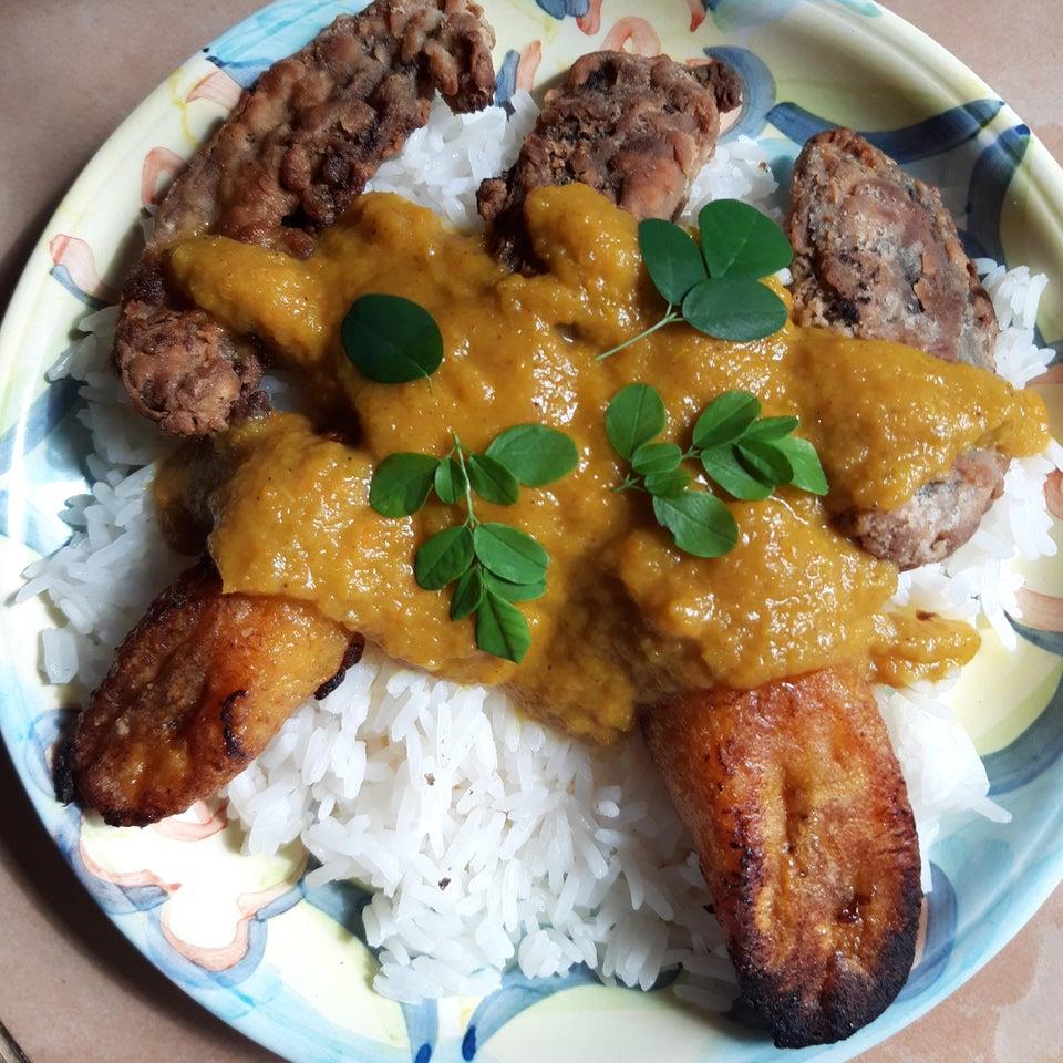 Fırında Kızartılmış Sebzeli-Tavuklu Pilav