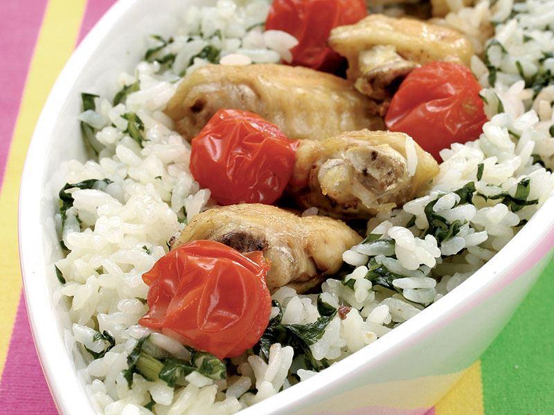 Ispanaklı ve tavuk kanatlı pilav tarifi