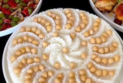 Sade Pirinç Pilavı